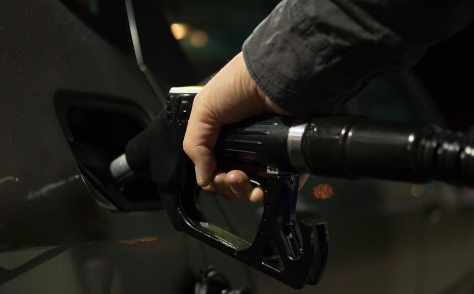 Ko i kako kontroliše kvalitet goriva na domaćim pumpama?