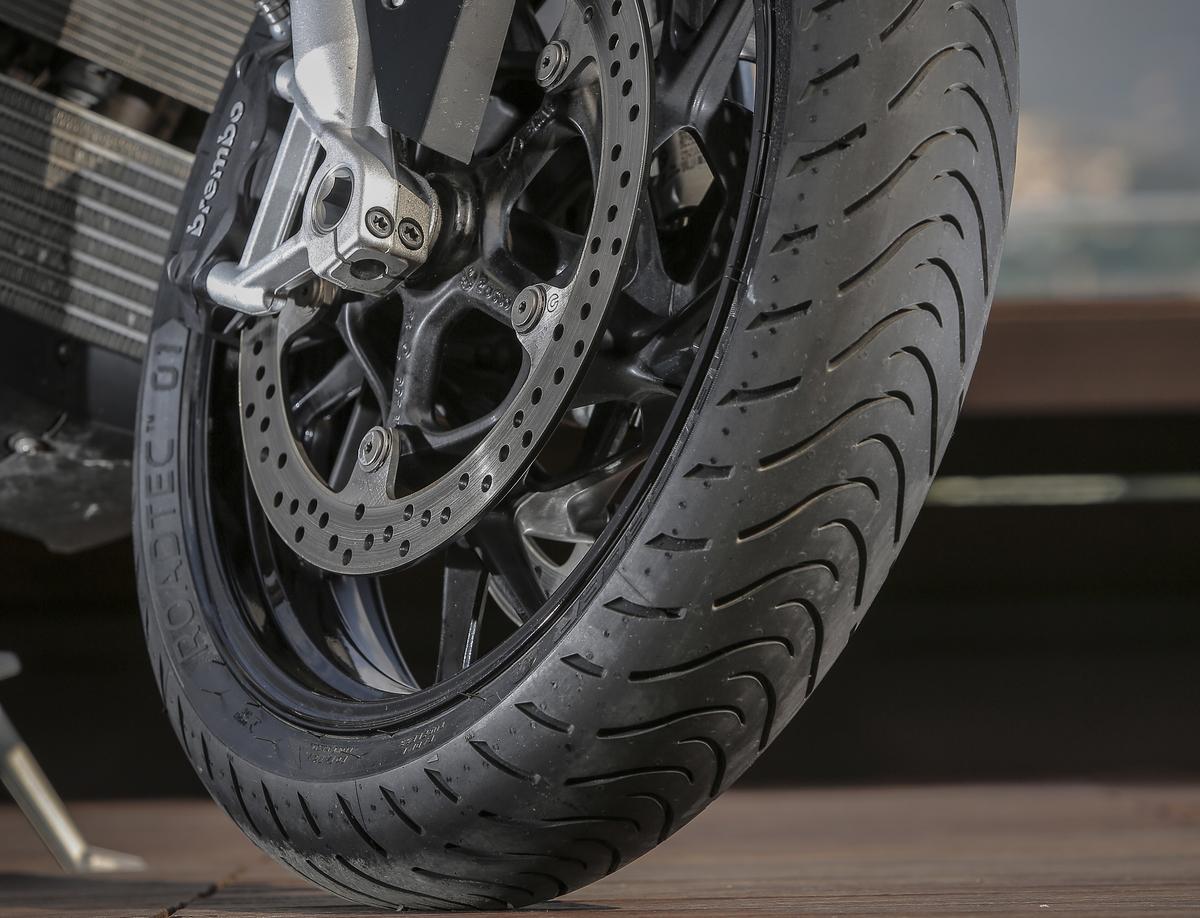 Kako izabrati najbolje gume za motor ili skuter? (Plus drugi saveti)