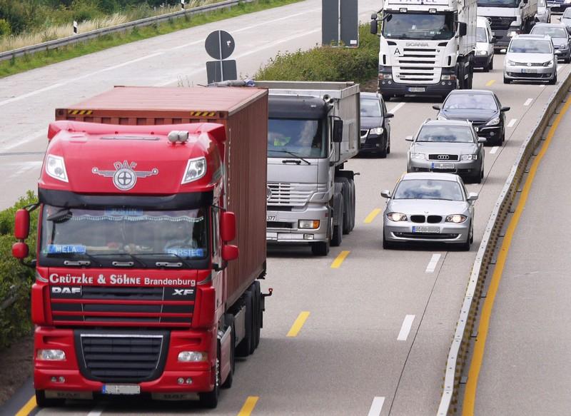 Ističe rok za vozače kamiona i autobusa – kartice i sertifikati
