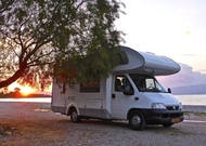Kamp prikolica ili kamper - šta je bolje i isplativije?