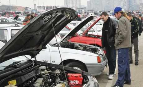 Prosečan Srbin može da priušti samo polovni automobil. Međutim